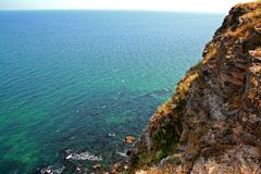 KALIAKRA - el mar resuelve rocas Imagen de archivo libre de regalías