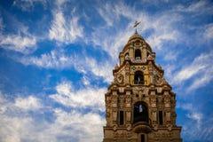 Kalifornia wierza przeciw chmurnemu niebu Zdjęcia Royalty Free