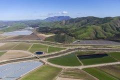 Kalifornien Farmfields och Santa Monica Mountains Arkivbild