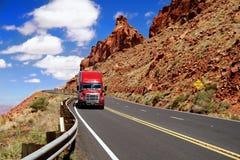 Kalifornien huvudväglastbil USA Royaltyfri Foto