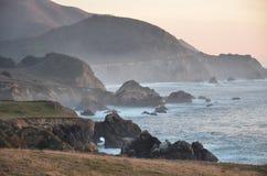 Kalifornien kust- solnedgång Fotografering för Bildbyråer