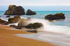Kalifornien kustsolnedgång royaltyfri bild