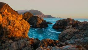 Kalifornien liten vik på kusten Arkivbild