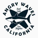 Kalifornien Los Angeles - typografi för designkläder, t-skjorta Grafiskt tryck med hajen och surfingbrädan Bränningklubbadräkt vektor illustrationer