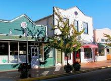 Kalifornien Main Street von Tiburon-Dorf lizenzfreie stockfotos