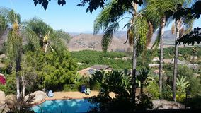 Kalifornien-Poolside-Rückzug Lizenzfreies Stockfoto