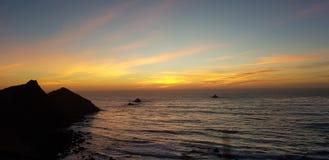 Kalifornien solnedg?ng royaltyfria bilder