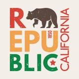 Kalifornien t-skjorta med grisslybjörnen T-tröjadiagram, design, tryck, typografi, etikett, emblem royaltyfri bild