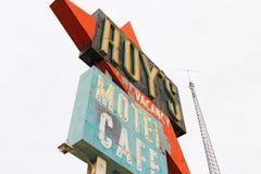 Kalifornien tecknet för motell för Roy ` s arkivfoton