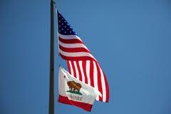 Kalifornier och USA-flaggor Royaltyfria Foton