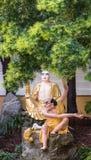 Kalika και Mahakassapa στον κήπο Arhat στο Lai του βουδιστικό Templ Στοκ εικόνες με δικαίωμα ελεύθερης χρήσης