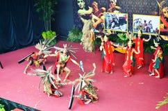 Kalimantan Dancing. Tari Kalimantan dipamerkan di TMII Royalty Free Stock Photo