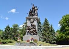Kaliningrad Monumentet till ryssen tjäna som soldat vem har stupat in Royaltyfri Bild