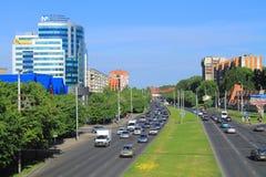 Kaliningrad, Moskovsky-Allee morgens im Juni Lizenzfreie Stockfotos