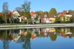 Kaliningrad Panorama dell'argine di autunno del lago grain Fotografie Stock Libere da Diritti