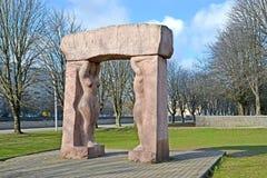 Kaliningrad, R?ssia Mundo da composi??o escultural ? Criação 'na ilha de Kanta fotos de stock royalty free