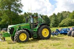 Kaliningrad region, Rosja John Deere 7930 ciągnik przy wystawą rolnicza maszyneria fotografia royalty free