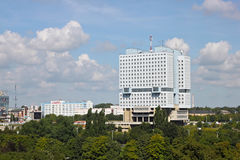 KALININGRAD ROSJA, SIERPIEŃ, - 21, 2011: Airal widok zapamiętanie dom sowieci w Kaliningrad Zdjęcie Royalty Free