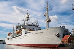Kaliningrad Rosja, Wrzesień, - 10, 2018: Badawczy statku kosmonauta Viktor Patsayev stacjonuje przy molem Eksponata muzeum obrazy royalty free