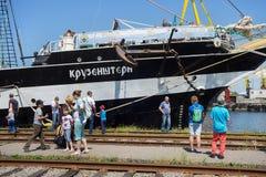 KALININGRAD, RUSLAND - JUNI 19, 2016: De mening van de historische bark Kruzenshtern vroeger Padua in de Kaliningrad-Zeehaven royalty-vrije stock afbeelding