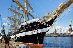 KALININGRAD, RUSLAND - JUNI 19, 2016: De mening van de historische bark Kruzenshtern vroeger Padua in de Kaliningrad-Zeehaven royalty-vrije stock foto's