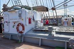 KALININGRAD, RUSLAND - JUNI 19, 2016: Metaal deckhouse op de bark Kruzenshtern vroeger Padua stock fotografie