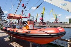 KALININGRAD, RUSLAND - JUNI 19, 2016: Reddingsboot op de beroemde bark Kruzenshtern vroeger Padua in de Kaliningrad-Zeehaven royalty-vrije stock foto