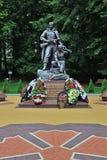 Kaliningrad, Russie - 18 septembre 2013 : monument aux soldat-scouts en parc de victoire, attraction touristique de la ville photos stock