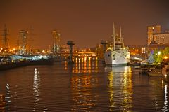 Kaliningrad, Russie Vue du ver de Pregolya Ri le soir photo libre de droits