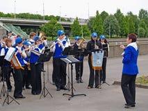 Kaliningrad, Russland Leistung von Kind-` s Blaskapelle der Musikschule der Stadt von Sysran lizenzfreie stockfotografie