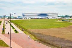 KALININGRAD RYSSLAND - JUNI 13, 2018: Sikten av den moderna Kaliningrad fotbollsarenan kallade också Arena Baltika fotografering för bildbyråer