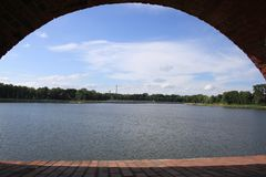 Kaliningrad: vista do lago superior Imagem de Stock Royalty Free
