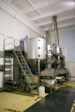 KALINKOVICHI, ΛΕΥΚΟΡΩΣΙΑ - 22 Σεπτεμβρίου 2011: Συνδυάστε για την παραγωγή του τυριού Μηχανές, μηχανισμοί και εξοπλισμός Στοκ Εικόνες
