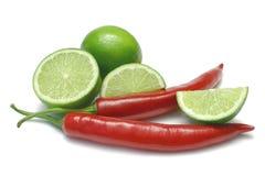 Kalk en Spaanse pepers Stock Afbeeldingen
