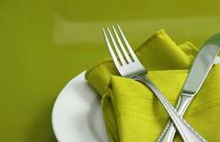 Kalk-grüne Tabellen-Einstellung Lizenzfreie Stockfotos