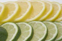 Kalk mit Zitrone-Scheiben Lizenzfreies Stockbild