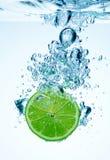 Kalk und Wasser stockbilder