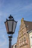 历史房子和灯笼在Kalkar的老中心 免版税库存图片