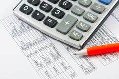 Kalkulator i pióro. Obraz Royalty Free