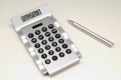 Kalkulator z piórem (2) Fotografia Royalty Free