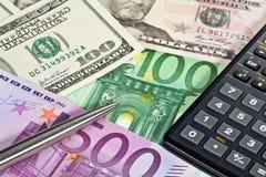 kalkulatora pieniądze pióro Zdjęcia Royalty Free