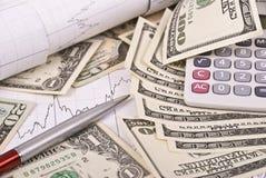 kalkulatora wykresu pieniądze pióro Obrazy Royalty Free