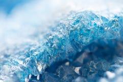 Kall bakgrund för vinter, blåa kristaller Makro arkivfoton