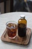 Kall brygd för kaffe i brun flaska Royaltyfria Foton