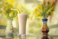 Kall drink för frukost fotografering för bildbyråer