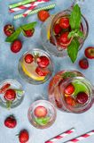 Kall genomskinlig drink royaltyfri bild
