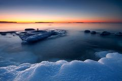kall morgonsoluppgång arkivbild