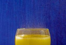 Kall uppfriskande drink arkivbild
