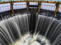 Kall vinter för vattenfall arkivbild