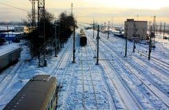 Kall vinter på järnväg Arkivfoto